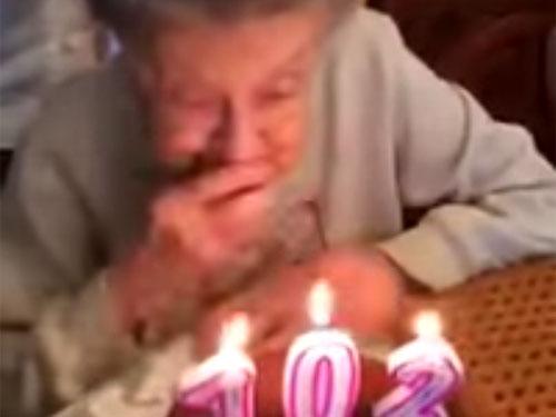 102歳の誕生日での爆笑ハプニング